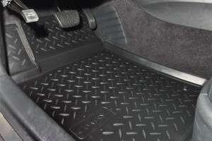 Где купить резиновые коврики в машину